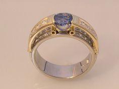 Ring with 0.95 ct Sri Lankan Sapphire & Diamonds