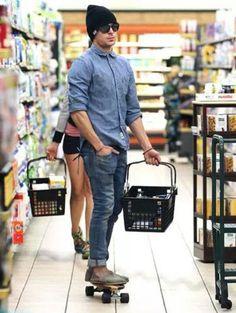 Zack Efron Swagg, skating through a super market