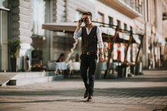 Street style | #perfecttiming #shooting #friend #photographer #artist #ntone #danielantonescu #targumures #simple #posing #portrait #view #style #walking #street #md04 #personalpreset #vsco #lookslikefilm #llnens #canon #mdfotostudio #mdfoto #majosdaniel #city #bokeh #hotel #sunglasses #fashion