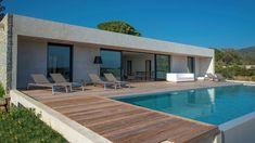 Photos of villa Marinka in Corsica Minimalist House Design, Modern House Design, Amazing Architecture, Architecture Design, Outside Pool, Pool House Plans, Modern Bungalow House, Backyard Pool Designs, Villa Design