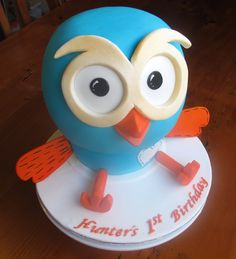 'Hoot' cake for a first birthday party Special Birthday Cakes, First Birthday Parties, First Birthdays, Birthday Ideas, Owl Cakes, Boy Decor, Cakes For Boys, Creative Cakes, Cake Creations