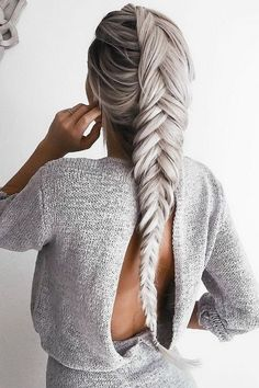 BEST IDEAS HAIRSTYLES : OPEN BACK & COZY KNIT MATERIAL
