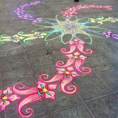 That's a lot of orchids    Follow me on Facebook http://www.facebook.com/joe.mangrum.art When sharing please include my links Ⓒ 1994-2014 Joe Mangrum http://www.joemangrum.com #sandart #sandpainting #NYC @joemangrum #colorful #art #streetart #art #streetlife
