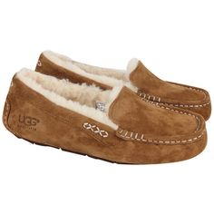 UGG AUSTRALIA Womens Chestnut Ansley Water Resistant Moccasins ($59) ❤ liked on Polyvore featuring shoes, loafers, ugg, slippers, flats, loafers & moccasins, flat heel shoes, flat shoes, mocasin shoes and mocassin shoes