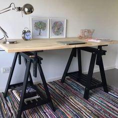 Dekor Inspiration in 2019 Home Desk, Home Office Space, Home Office Desks, Office Decor, Wood Furniture, Furniture Design, Drawing Desk, Mason Jar Sconce, Art Desk