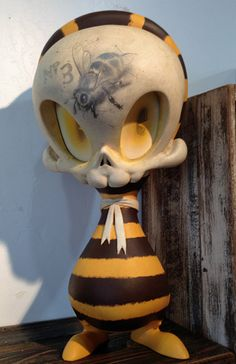 Bumble Bee, Mega Skelve by Brandt Peters for the Posthumous Menagerie show at Stranger Factory