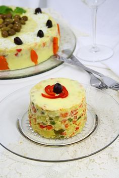 You will find here various recipes mainly traditional Romanian and Mediterranean, but also from all around the world. Romanian Recipes, Romanian Food, Cold Vegetable Salads, Cooking Recipes, Healthy Recipes, Martha Stewart, Love Food, Recipies, Appetizers