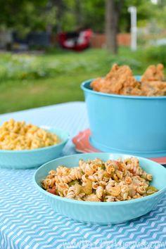 Pasta salad, macaron