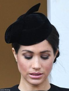 Annual Service of Remembrance - Mad About Meghan: Meghan Joins the Royal Family for Remembrance Sunday Kate Middleton Hats, Remembrance Sunday, Prince Harry And Megan, Princess Meghan, Meghan Markle Style, Elisabeth Ii, British Royal Families, Royal Engagement, Wedding Looks