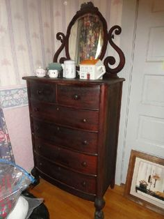 I Love This Serpentine Dresser The Previous Owners Had One In