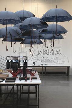 [#Merci chez Spanky Few] Le MoMa Design Store débarque chez le concept store parisien Merci  Lire l'article : http://bit.ly/1az5JyY