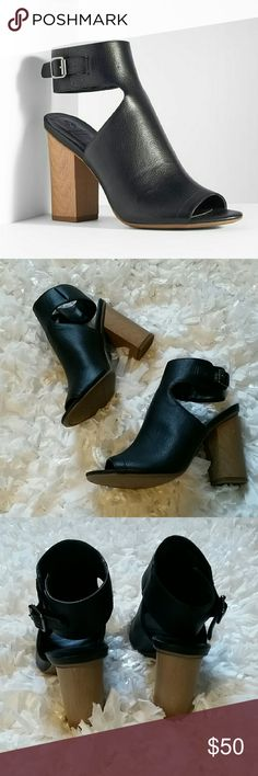 Sale! Simply Vera Wang clog black heels Sexy black clog style booties from the Simply Vera Vera Wang collection. Brand new without box. Never worn. Simply Vera Vera Wang Shoes Ankle Boots & Booties