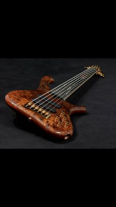 Don't know how makes these beautiful basses.
