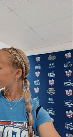 Softball Hairstyles, Athletic Hairstyles, Sporty Hairstyles, Braided Hairstyles, Hairstyles Videos, Airport Hairstyles, Volleyball Braids, Game Day Hair, Triangle Hair