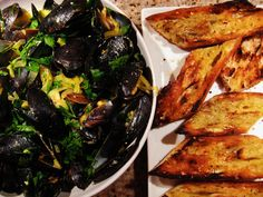 Mussels with saffron cream sauce