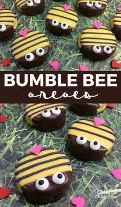 Bumble Bee Oreos recipe for kids. Perfect cookies for Spring. Bumble Bee Oreos recipe for kids. Perfect cookies for Spring. Cute Snacks, Fun Snacks For Kids, Cute Food, Kids Meals, Bee Cookies, Cookies For Kids, Chocolate Covered Oreos, Dipped Oreos, Chocolate Strawberries
