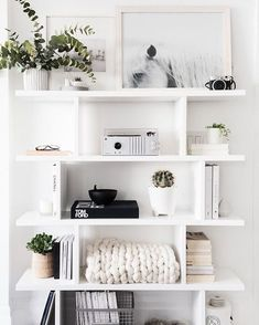 How to Style Your Book Shelf | AllyBeth Design Co | Book Shelf Decor | White Bookshelf | Bookshelf Styling | Styled Bookshelf