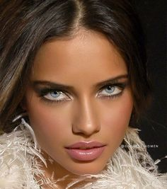 You are in the right place about beauty skin mask Here we offer you the most beautiful pictures about the healthy beauty skin you are looking for. Most Beautiful Eyes, Stunning Eyes, Gorgeous Eyes, Pretty Eyes, Gorgeous Makeup, Beautiful Pictures, Adriana Lima Face, Adriana Lima Young, Adriana Lima Makeup