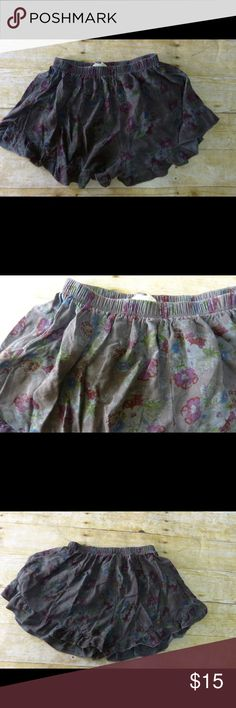 """Urban Outfitters Urban Renewal Gray Floral Shorts Urban Outfitters Urban Renewal Gray Floral Shorts. Size medium. Elastic waist. 12"""" length. Urban Outfitters Shorts"""