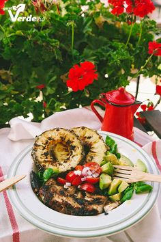 Gust Verde: Salata de pui cu avocado si ananas