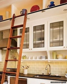Modern Layout Of Asian Kitchen Cabinets Furnishings - http://www.smallroomdesigns.com/small-home-decoration/modern-layout-of-asian-kitchen-cabinets-furnishings.html