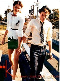 """Teen+Vogue+-+Fevereiro+2006+ <BR>Editorial:+""""Love,+Actually""""+ <BR>Modelos:+Drielle+Valeretto+e+Alex+Nilehn+ <BR>Ph.:+Nick+Haymes+ <BR>Foto+07+de+09+ <BR> <BR> <BR>Toda+feliz,+olha+lá,+até+de+mãos+dadas+estão...+Ahhh,+o+amor!!! <BR> <BR>hehehehehehehehe+ <BR> <BR> <BR>Fotolog+da+Drielle.+Visitem!!!+ <BR><A+HREF=""""http://www.fotolog.com/drica_valeretto""""+TARGET=_top>htt"""