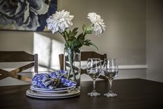 Dining Table Centerpiece Table Centerpieces, Table Decorations, Home Staging, Dining Table, Vase, Simple, Diy, Inspiration, Furniture