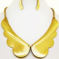 Gold Wings necklace set. ( w/earrings )  *stock: LLG-299  $15.USD