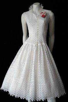Australian online vintage clothing store specialising in authentic dresses. Browse our quality vintage clothing from to shipping Vintage Outfits, Vintage Gowns, Dress Vintage, Cotton Frocks, Cotton Dresses, Vintage Cotton, Cotton Lace, White Cotton, Vintage Clothing Online