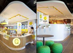 Qsan Yakitori express store by Morris Selvatico, Sydney fast food Plaza Design, Kiosk Design, Design Blog, Cafe Design, Visual Merchandising, Food Court Design, Juice Bar Design, Food Kiosk, Reception Desk Design