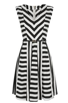 There is something a little Fifties Riviera about this dress, we love the asymmetric stripes and flattering cut that make it perfect for all those Summer soirées. Midi Skater Dress, Skater Skirts, Oasis Dress, Mode Plus, Black White Fashion, Striped Fabrics, Chic Dress, V Neck Dress, Satin Dresses