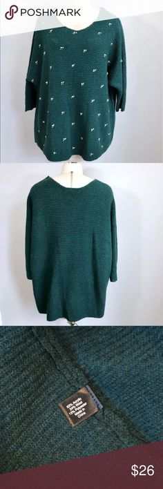 Lane Bryant Knit Green Sweater with beads 22/24 Up for sale in great preowned condition Lane Bryant dark Green Knit Sweater, Size 22/24. Check out my closet, bundle and give me your offer! Lane Bryant Sweaters