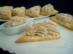 Sfogliatine alla mousse di tonno http://blog.giallozafferano.it/rafanoecannella/sfogliatine-mousse-tonno/