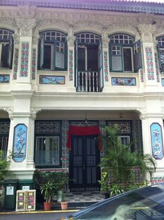 A beautiful house, probably owned by well-to-do Peranakans once upon a time.