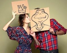 """'She kissed a toad and he became her handsome prince.' Fun """"save-the-date"""" photo idea. Engagement Pics, Engagement Announcement Funny, Engagement Photography, Wedding Announcements, Wedding Engagement, Couple Photography, Wedding Shot, Frogs, Wedding Fotos"""