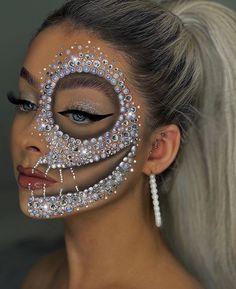 Halloween Makeuo, Halloween Makeup Looks, Creative Halloween Costumes, Special Occasion Makeup, Special Effects Makeup, Costume Craze, Face Aesthetic, Face Paint Makeup, Makeup Designs