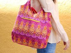 Are you ready to take your bag making skills beyond the basic tote? Designed to be completely reversible, the Everyday Reversible Tote will do just that.  This is a Craftsy Sew-Along by Beki Lambert!