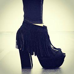 SARKANY MAGDA. Colección Otoño-Invierno 2014. Moda. Calzado. Plataforma. www.RickySarkany.com