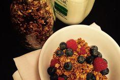 Sugar and spice and everything nice! It's giftable homemade granola - and it's gooooooood. #CravingBoston