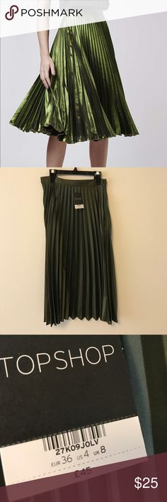 Green Topshop Midi skirt Beautiful midi skirt from Topshop in green. NWT size is 4, waist is 26. 100% polyester. Topshop Skirts Midi