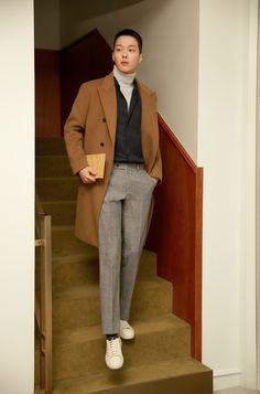 Image may contain: 1 person, standing Boy Fashion, Korean Fashion, Mens Fashion, Fasion, Korean Men, Korean Actors, Yg Kplus, Rei Arthur, Suit And Tie
