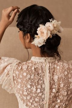 Wedding Hair Flowers, Wedding Hair Pieces, Flowers In Hair, Wedding Dresses, Bride Hairstyles, Easy Hairstyles, Flower Hairstyles, Mexican Hairstyles, Jasmine Hair