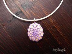 Horgoltságok, egyedi horgolt ékszerek #threadcrochetjewelry #crochetjewelry #crochetcolours #elegantjewelry #jewelrydesign #crochetstones