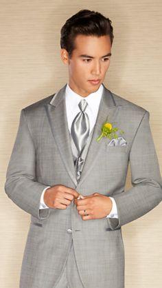 Groomsmen's suits