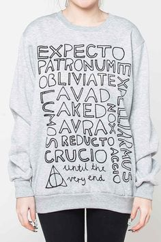 Harry Potter Sweatshirt - 33 ways to cover your body with books