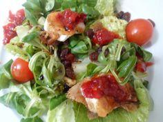 Ensalada de #queso de #cabra con #mermelada de #pimientos. El verano se acerca y empiezan a apetecer las ensaladas. Prueba mi #ensalada y disfruta #cocina #recetas #Goat #cheese #salad with #peppers #jam. Summer is coming and begin to crave salads. Try and enjoy my salad. #cooking #recipes