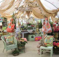 Everlasting Blooms vintage fun flea market booth.