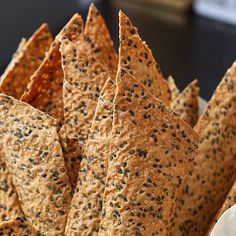 These sesame crackers are very similar to those overpriced artisan crackers you see at local grocery stores. Only these taste much, much better. Appetizer Dishes, Recipes Appetizers And Snacks, Food Dishes, Snack Recipes, Homemade Crackers, Vegan Crackers, Sesame Recipes, Flaxseed Bread, Baguette Recipe