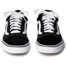 Old skool Black ❤ liked on Polyvore featuring shoes, sneakers, black sneakers, low top skate shoes, kohl shoes, lace up shoes and black cap toe shoes