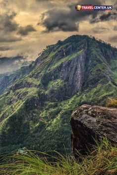 Lush greenery, gentle breezes, exhilarating hikes and a touch of enthralling activities at its best! The natural landscapes in Sri Lanka are everything. This place in Ella is surely a holiday hotspot. #SriLanka #Ella #AdamsPeak #Natural #ItsAllAboutTravel #TravelCenterUK
